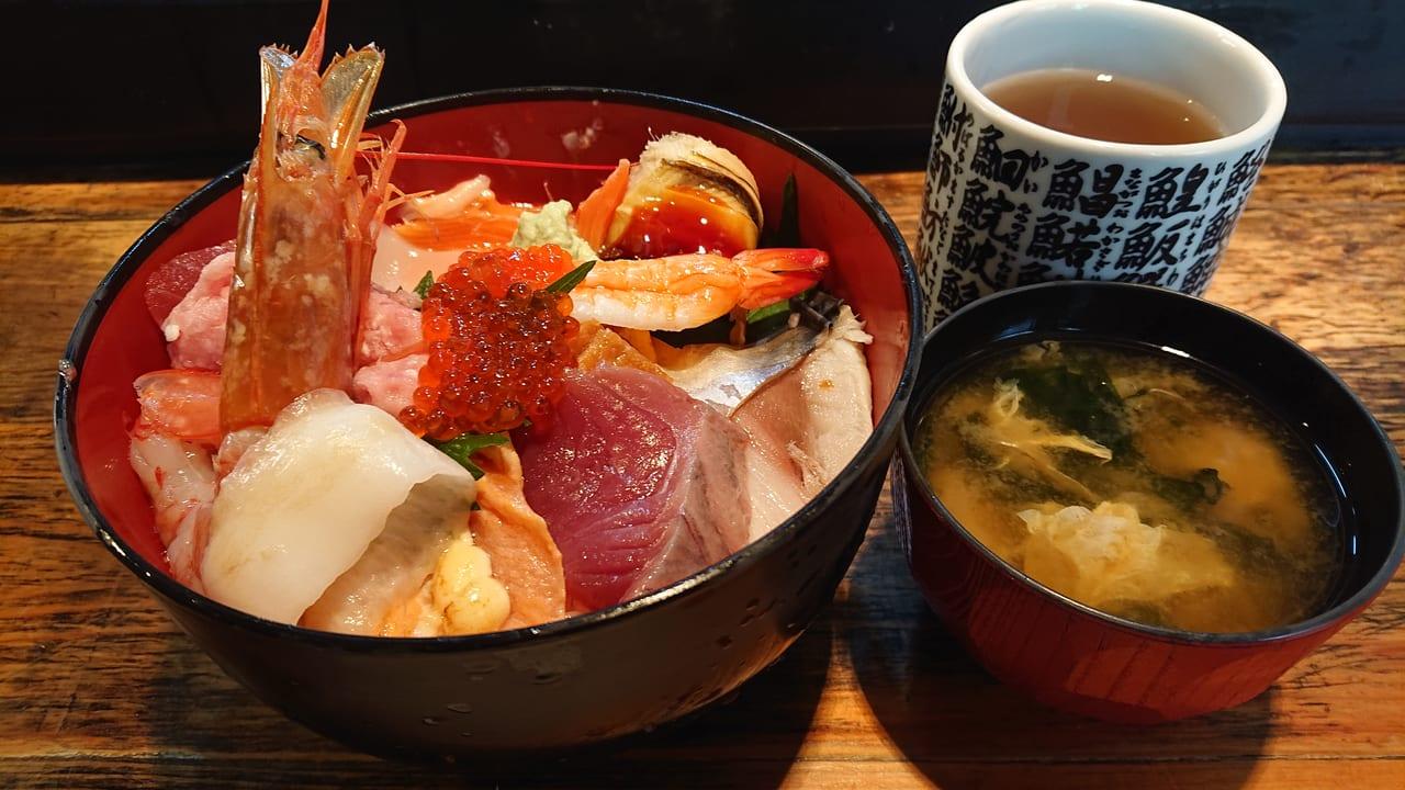 海鮮丼 上